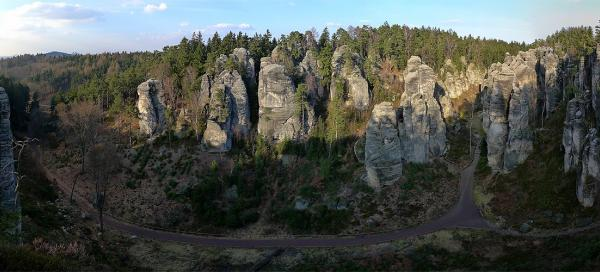 The short circuit in Prachov rocks
