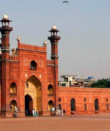 Visit of Badshahi mosque