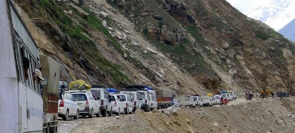 Drive over Rohtang la pass