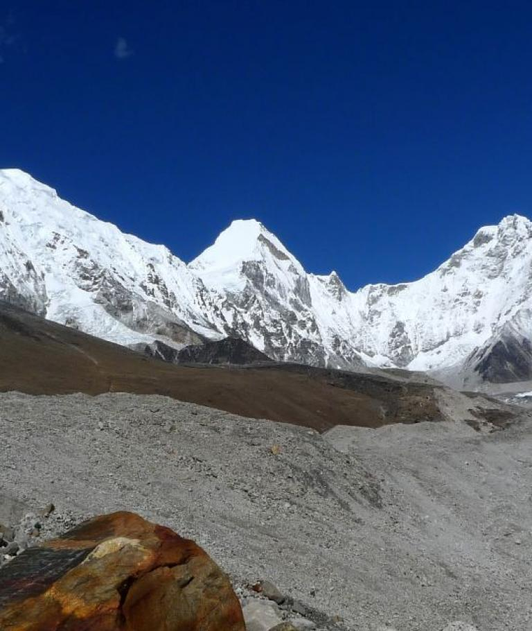 The most beautiful places in Everest