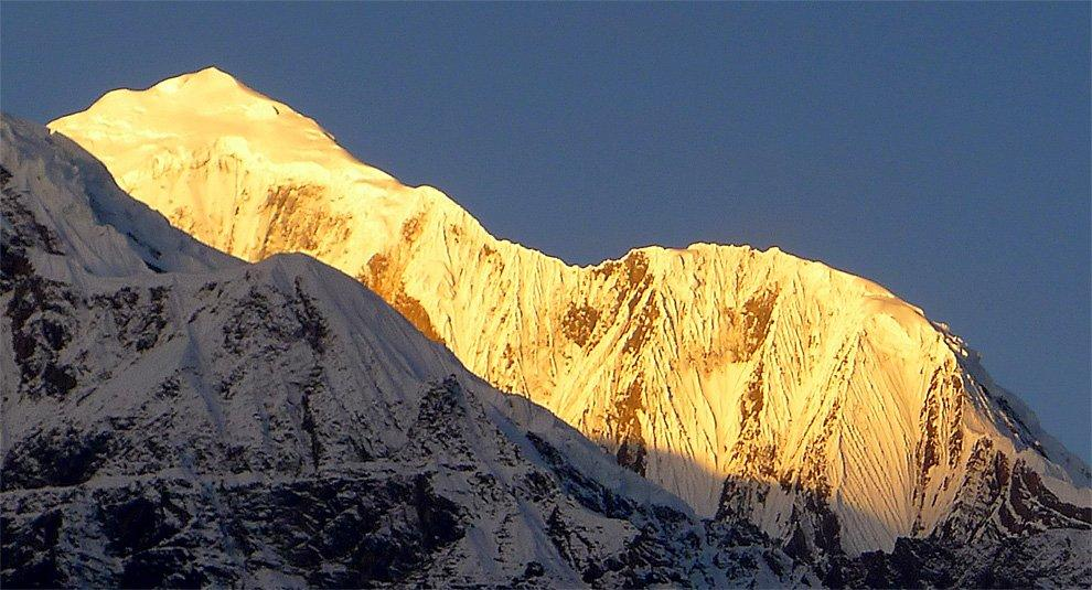 Sunrise over Gangapurna