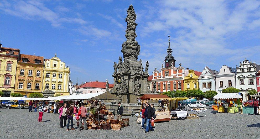 Plague column on Ressel Square