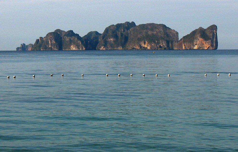 View of the island of Phi Phi Lee (Leh)