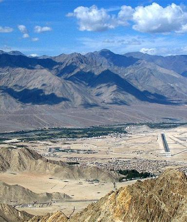Hike over the hills between Leh and Sabu