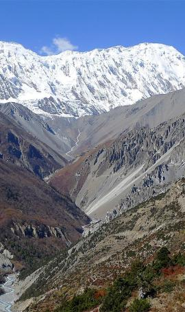 Hike through Upper Khangsar