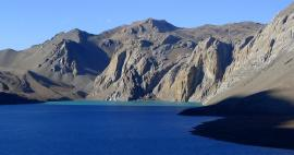 Ascent to the Tilicho lake