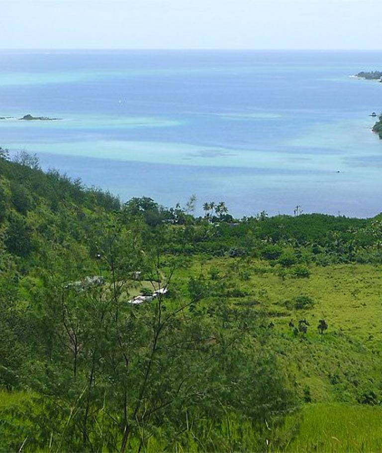 Hike through hinterland of Malolo