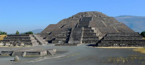 Visit of Teotihuacán