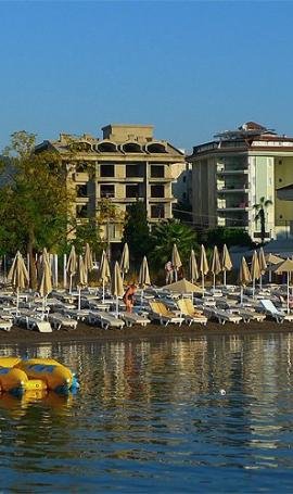 Beach and promenade in Marmaris